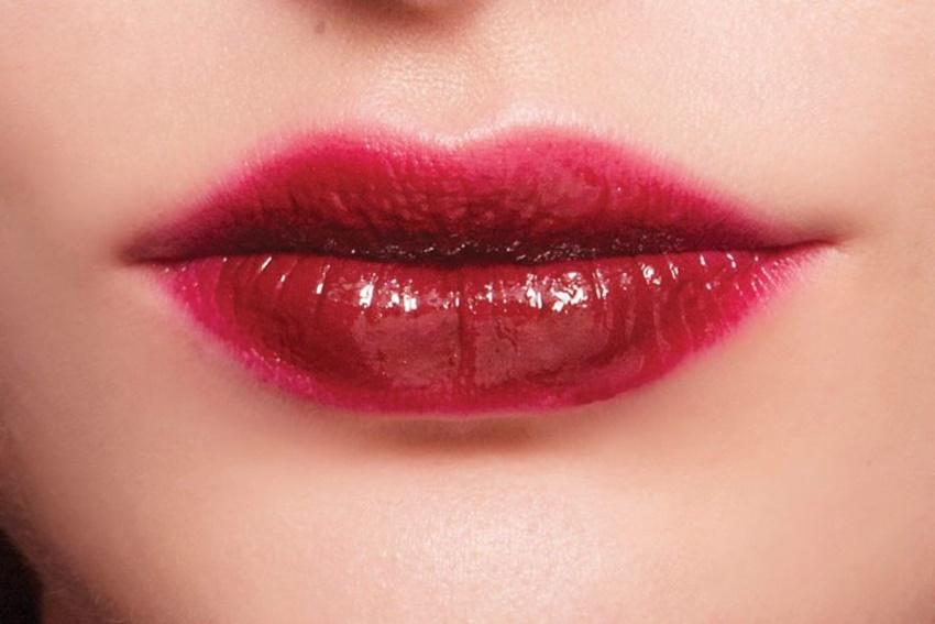 Krom dudaklar ışıldıyor!